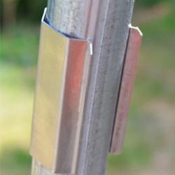 Vous souhaitez fixer votre film, fixer votre abri ou encore le réparer ? Alors découvrez notre sélection de pièces détachées dont vous aurez besoin : clips et ficelle maraîchère, épées à vrille, tubes ronds en acier, et bien d'autres accessoires encore.